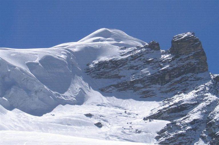scout peak climbing